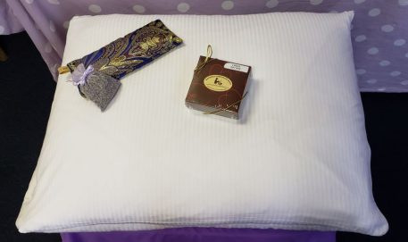 Free Chocolates - Organic Buckwheat Pillow Dream Set With Free Chocolates